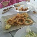 Parte de la racion de calamares!! Llegamos tarde a la foto estaban muy ricos!!