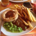 Pukka pie, chips n gravy