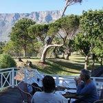 ontbijten op het terras van Ashanti