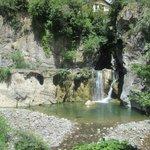 cascata e lago del Nervia a ridosso dell'hotel