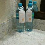 agua a $10