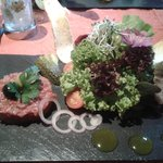 Salat mit Tatarbeilage