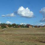 Blick auf Ranch und Häuser