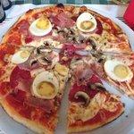 Pizza Valentino sin esparragos