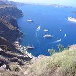 Cruise ships into Fira