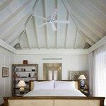 Naladhu House Bedroom