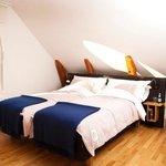 Guest Room (109303854)