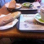 Сандвичи с прошутто и сыром бри