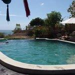 piscine et vue au loin