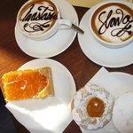 Один  из лучшых кофе в Вероне!!! И большой выбор вкуснейших пирожных к нему!