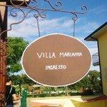 ingresso della villa (dove noi facevamo colazione)