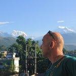 vista de la cordillera del Annapurna desde la habitación