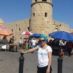 przed wejściem na targ medina...jeszcze uśmiechnięta,ale po 10 min miałam dość