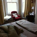 Zimmer 27 von der Tür aus