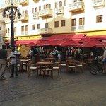 Praça e restaurantes