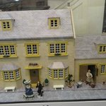 DOLL HOUSE STORE