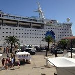 cruise ship in Mahon harbour .
