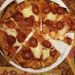 Pizza - salamino piccante (very good)
