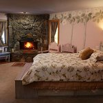 Our largest bedroom. The dogwood room includes a spa tub and extra trundle bed.