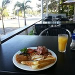 Breakfast outside at the cafe - bring insect repellant for sandflies!