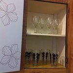 kitchen even had wine glasses!