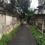 The cool pathway to Baan Songjum