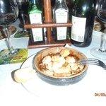 Sizzling prawns and garlic, yummy.