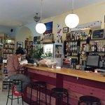 La Clandestina Libreria-Cafe Foto