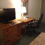 tv/desk area