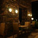 Buffet restaurant seating
