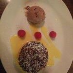 Pecan tart with chocolate icecream
