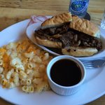 French dip with Mac n cheese side