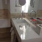 The GIANT bathroom (1)