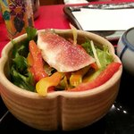 The salad that came as a starter. It was very yummy :)