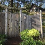 Gateway to the teahouse path