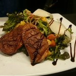 Grilled duck and mango salad