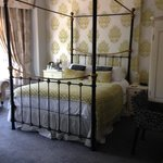 Family room - four poster