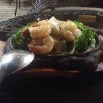 My favorite sizzling garlic king prawn. Yummy!!