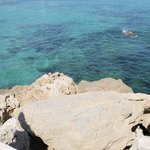 море у пляжа карусос бич