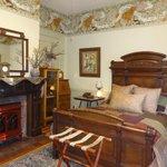 Lion's Den room