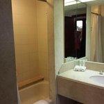 Room 1612 Bathroom