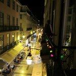 vue d'un balcon de chambre, la nuit