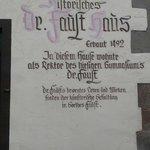 Das Fausthaus soll lt. Wikipedia nicht im Original erhalten sein. An gleicher Stelle jedoch nach