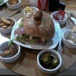 Lo más nuevo de la carta, hamburguesa Mexicana!!!!