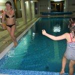 Прекрасный бассейн + сауна и турецкая баня.