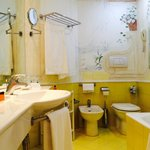 La Palma Guest Bathroom