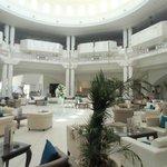 Hall de l'hôtel où le wifi est gratuit