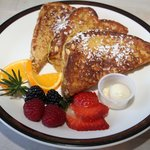 FRENCH TOAST AND FRUIT @ LA PRIMA PIZZA-CALISTOGA