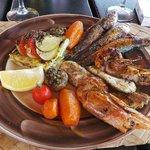 suggestion du jour:trio de poisson ;très bon et frais.
