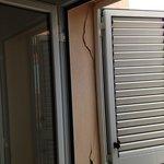 Porte fenêtre du balcon